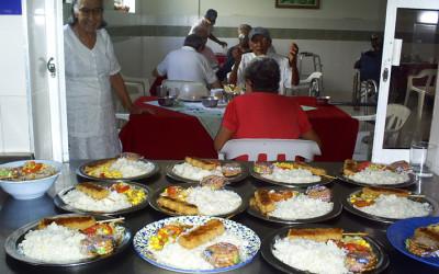 Comedor del hogar de ancianos en Colombia, cooperación al desarrollo de Cocina Económica