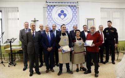 La Federación de Peñas y el padre José Alfaro reciben los Delantales 2019